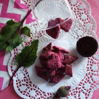 Biscotti alla barbabietola, rosa e croccanti