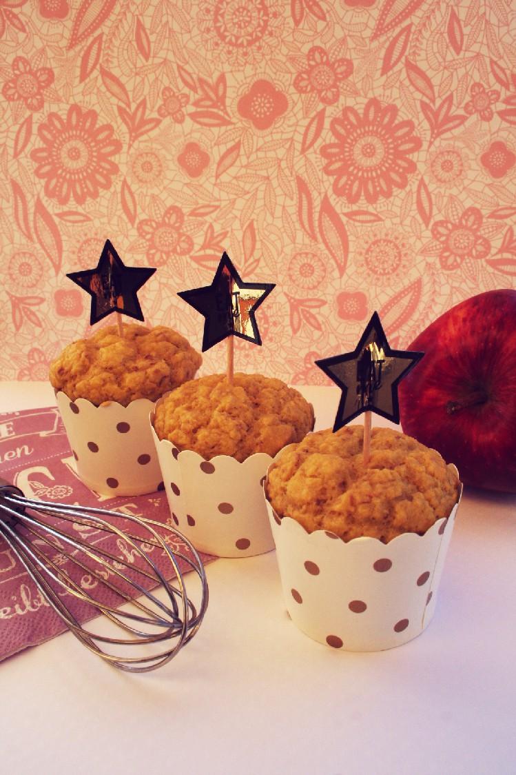 Muffin alla mela, in festosi pirottini per un'occasione speciale